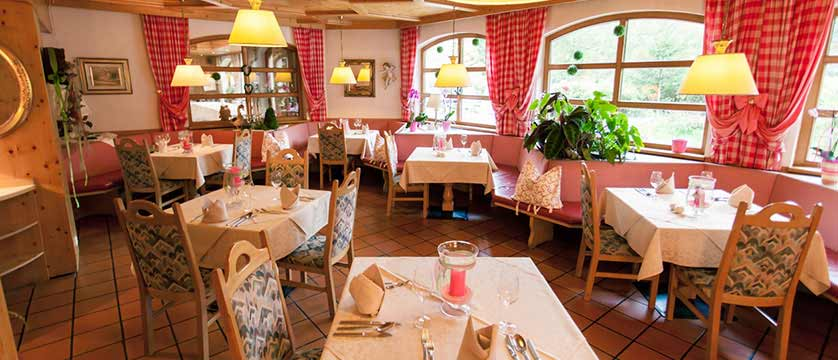 Hotel Kolmhof, Bad Kleinkirchheim, Austria- dining room.jpg